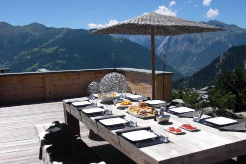 my-private-villas-chalet-spa-alfresco dining 1-CHRIS